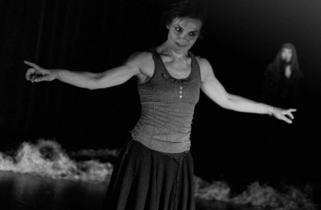 Andrea Opavska in production of ProFitArt - La Loba